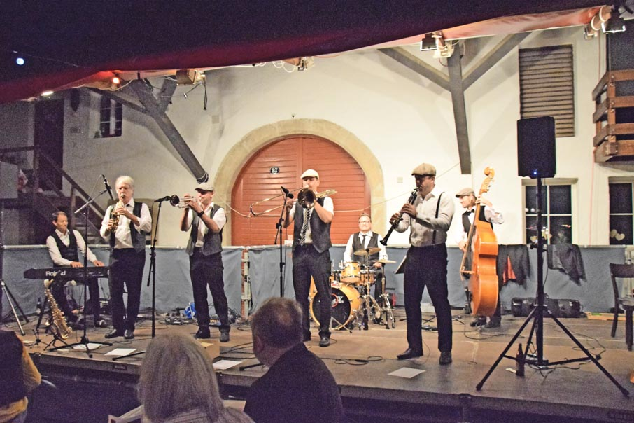 "<span class=""dquo"">«</span>E Tube voll Jazz» in Biberstein!"